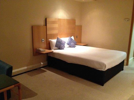 Sandman Signature London Gatwick Hotel: good night sleep