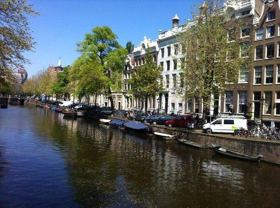 Hotel Pulitzer Amsterdam: Hotel Entrance