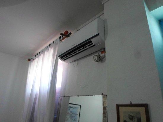 Hotel Casa de las Palmas : Aire acondicionado Nuevo / Air Conditioner