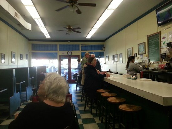 Thomas Cafe: From back, looking toward front door.