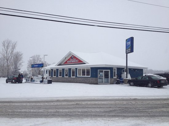 Rapid Valley Restaurant : Exterior on a cold, snowy day, but it was worth the drive!