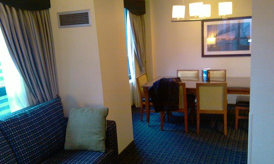 DoubleTree Suites by Hilton Hotel New York City - Times Square : Living/Dining