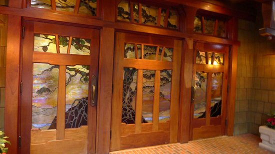The Lodge at Torrey Pines: the front door!