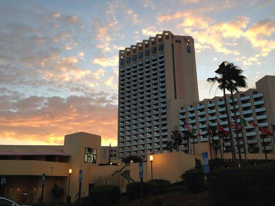 Hilton Orlando Buena Vista Palace Disney Springs : front view