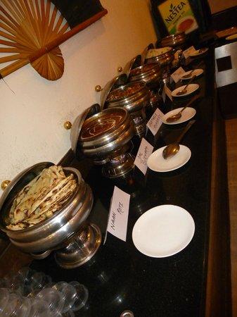 Hotel Royale Residency: Buffet