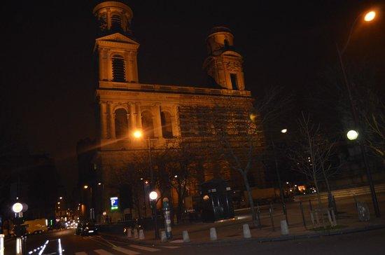 Eglise Saint-Sulpice: Durante a noite