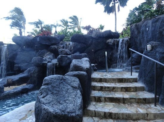 Marriott Ko Olina Beach Club : One of at least 4 hot tubs