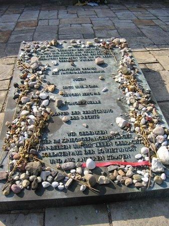 Dokumentationszentrum KZ Bergen-Belsen: Tomba Ebrea