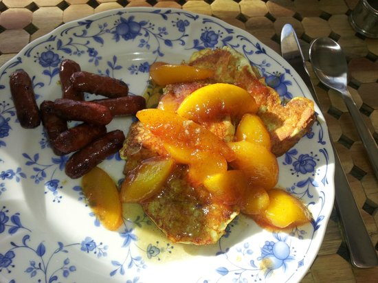 Horse Stamp Inn: French Toast with Peaches