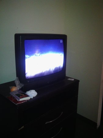 Clarion Suites: BROKE tv's