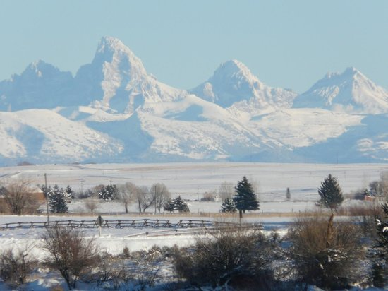 Henrys Fork Inn : Grand Tetons in the winter time