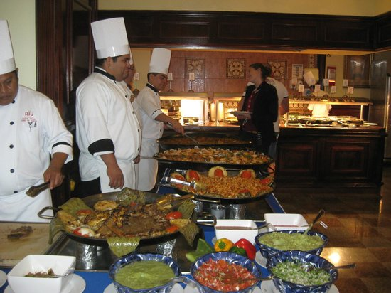 Hotel Riu Palace Las Americas: Part of the seafood lunch buffet