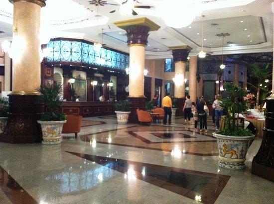 Hotel Riu Palace Las Americas: Lobby