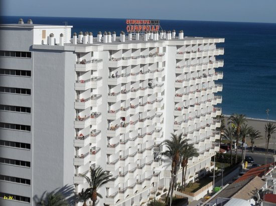 Bajondillo Apartments: Vanaf grote hoogte het complex Bajondillo .