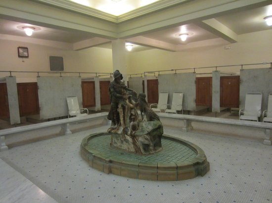 Fordyce Bathhouse (Vistor Center): Men's changing room