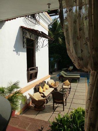 Divar Island Guest House Retreat: Rund um den Pool