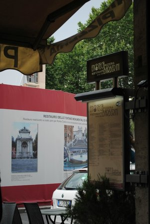 Enoteca Barberini: You can see the fountain was boarded up for renovations.