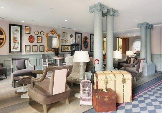 La Maison Favart: Interior