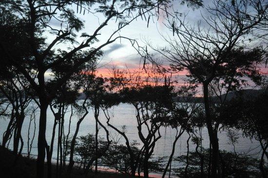 Four Seasons Resort Costa Rica at Peninsula Papagayo: вид из номера на восход