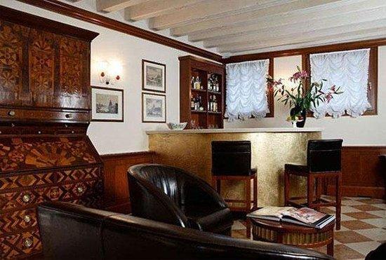 San Sebastiano Garden Hotel: Bar
