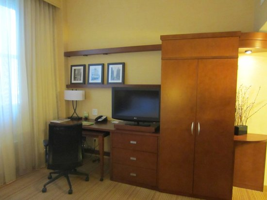 Courtyard by Marriott Tulsa Downtown : Bedroom 2