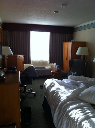 Best Western Plus Barclay Hotel: Our king size room.