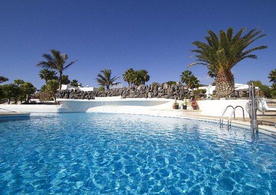 Pool view picture of jardines del sol playa blanca for Jardine del sol