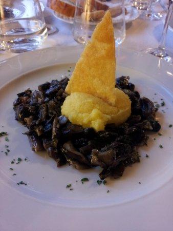 Trattoria Rifugio Carota : Antipasto di funghi, polenta e formaggio fritto