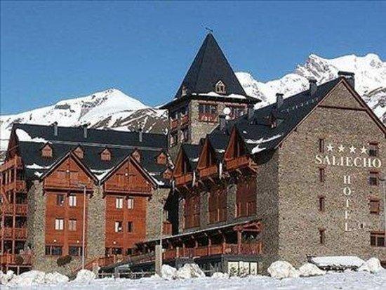 Photo of Hotel Saliecho Sallent de Gallego - Formigal