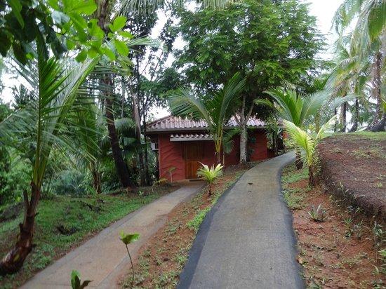 Popa Paradise Beach Resort: Casita 5. Top walkway goes to #6