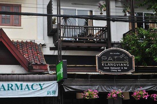 Pat's Klangviang : front view