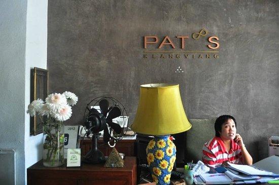 Pat's Klangviang : Front Desk