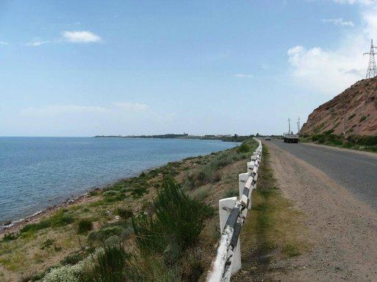 Issyk-Kul Lake: дорога в Кара-Кол