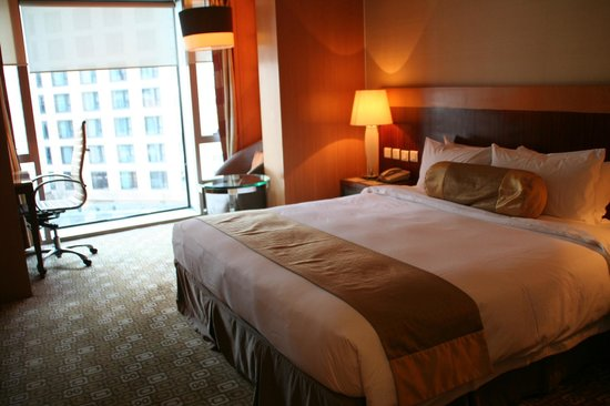 Park Plaza Wangfujing : La comodísima y calentita cama de la habitación!