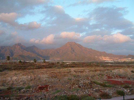 HOVIMA Jardin Caleta: la montagne vu de la chambre
