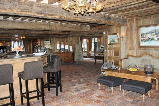 La Ferme Saint Simeon - Relais et Chateaux: le salon