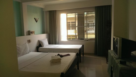 ANGKOR INTERNATIONAL HOTEL : triple room
