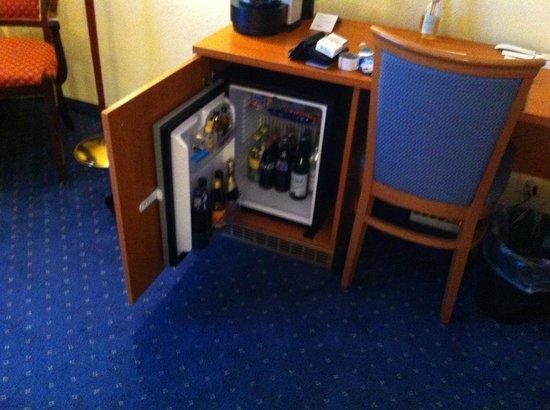 Best Western Hotel Rallye : Minibar chambre