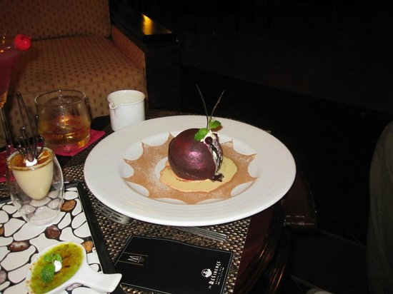 La Residence Hue Hotel & Spa : Chocolat surprise! Delicious!