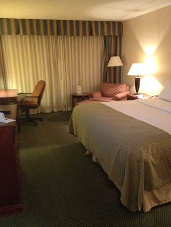 Holiday Inn Des Moines Downtown: Comfortable bed