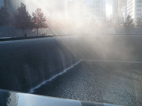 National September 11 Memorial und Museum: During a cold Winter morning