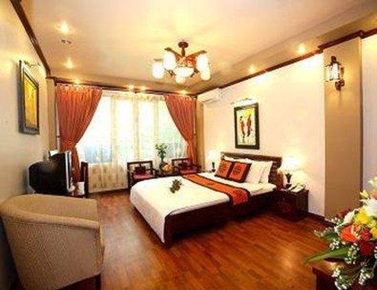 Dolphin II Hotel: Deluxe Room