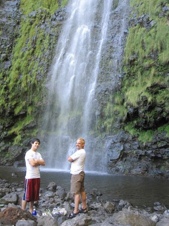 Ohe'o Gulch: Waterfall at end of bamboo forest