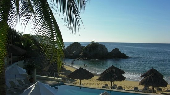 Dreams Huatulco Resort & Spa: Beach at Dreams