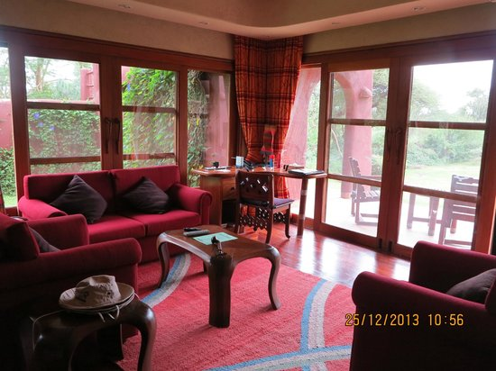 Amboseli Serena Safari Lodge: Living room