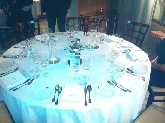 La Cabro D'or: table de convives