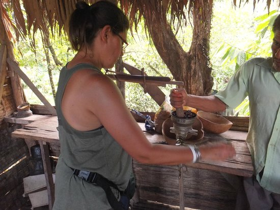 Bucus Tours: Hot chocolate in the making