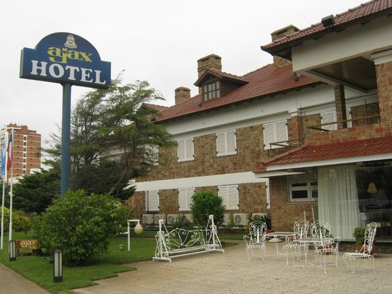 Ajax Hotel: frente do hotel