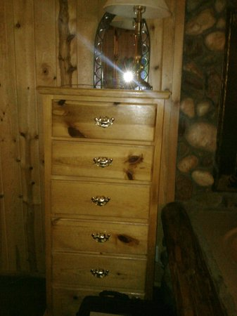 Black Forest Lodge : Dresser