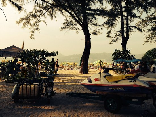 Patong Beach: Jet ski for rent... 1,500BTH for 30 minutes...